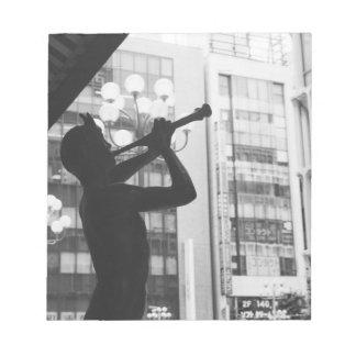 アジア、日本、東京。 音楽彫像、Shibuyaku ノートパッド