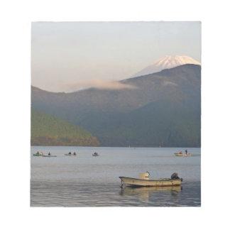 アジア、日本、箱根。 Mt.の早朝の眺め ノートパッド