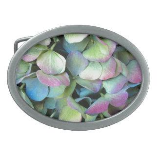 アジサイの多色刷りの花びら --- 卵形バックル