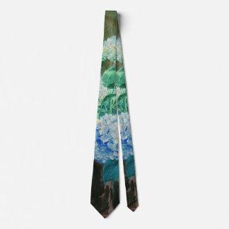 アジサイ1900年を持つ若い女性 ネクタイ