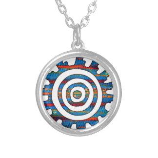 アステカなマヤの多彩の日時計 シルバープレートネックレス