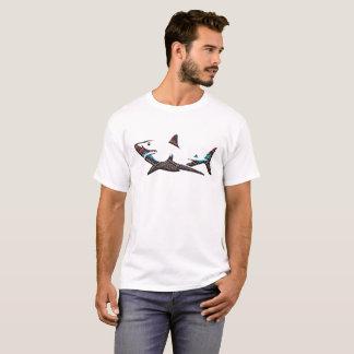 アステカな鮫 Tシャツ