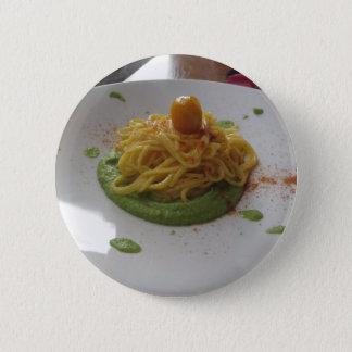 アスパラガスソースのbottargaのスパゲッティ 5.7cm 丸型バッジ