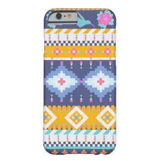 アズテック派のスタイルの装飾的で多彩なパターン BARELY THERE iPhone 6 ケース