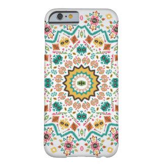 アズテック派のスタイルの装飾的な円形の多彩なパターン BARELY THERE iPhone 6 ケース