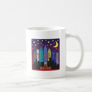 アトランタのスカイラインのメガ色 コーヒーマグカップ
