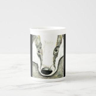 アナグマの骨灰磁器のマグ ボーンチャイナカップ
