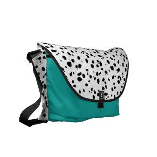 アニマルプリントのダルマチア人パターン メッセンジャーバッグ