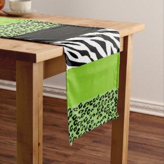 アニマルプリント、シマウマ、斑点を付けられたヒョウ-緑 ミディアムテーブルランナー