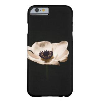 アネモネの花 BARELY THERE iPhone 6 ケース