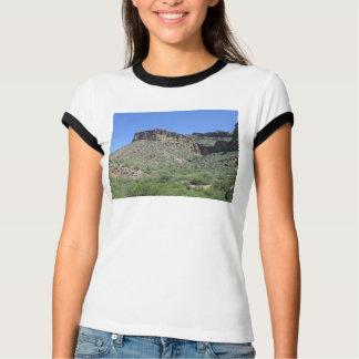 アパッシュの岩が多い道 Tシャツ