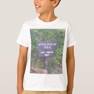 アパラチア山脈の道の歩道の印 Tシャツ