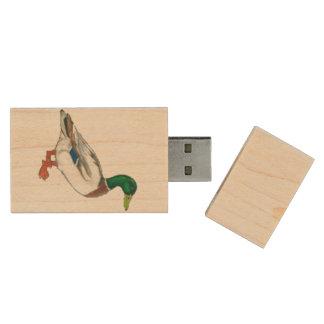 アヒルの緑のマガモの漫画のデザイン 木製 USB メモリ