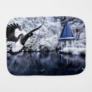 アヒル、湖および熟視の白黒プリント バープクロス