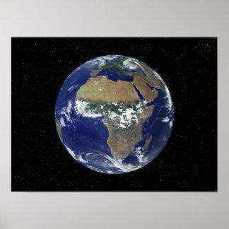アフリカおよびヨーロッパを示す完全な地球 ポスター