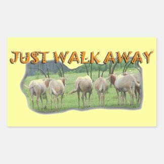 アフリカのガゼルの遠くになちょうど歩行 長方形シール