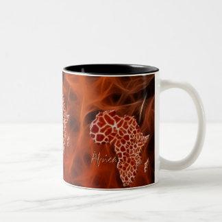 アフリカのキリンの地図は野性生物のマグに斑点を付けます ツートーンマグカップ