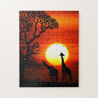 アフリカのサファリの日没のキリンのシルエット ジグソーパズル