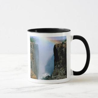 アフリカのザンビア、ヴィクトリア滝の国立公園 マグカップ