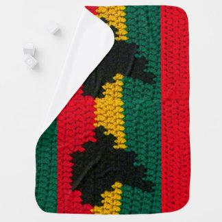 アフリカの地図の黒の赤い金ゴールドの緑のかぎ針編みのプリント ベビー ブランケット