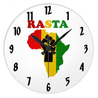 アフリカの柱時計上のラスタのブラックパワーの握りこぶし ラージ壁時計