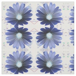 アフリカデイジーの白熱青い花のパターン(の模様が)あるな生地 ファブリック