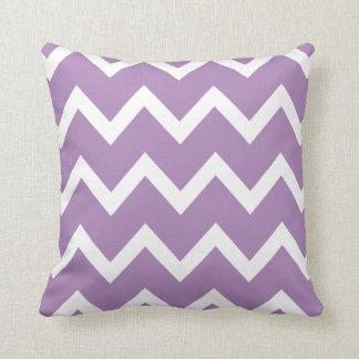 アフリカバイオレットの紫色シェブロンのジグザグ形の枕 クッション