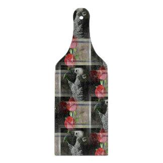 アフリカ灰色および幾何学的で赤いバラ カッティングボード