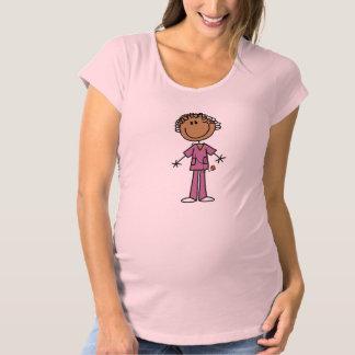 アフリカ系アメリカ人のメスの棒の姿のナース マタニティTシャツ