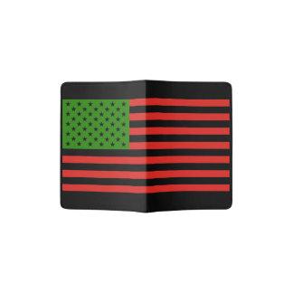 アフリカ系アメリカ人の旗-赤い黒いおよび緑 パスポートカバー