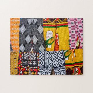 アフリカ、アンゴラ、Benguela。 明るく着色されたズボン ジグソーパズル