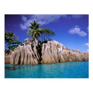 アフリカ、セイシェルのLaのDigueの島。 花こう岩 ポストカード