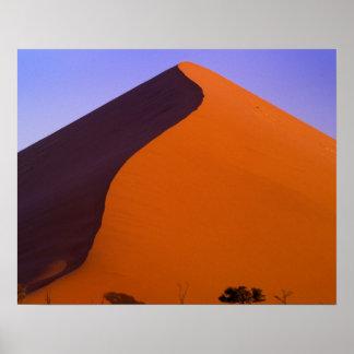 アフリカ、ナミビア、Namib NP、Sossusvleiの砂 ポスター