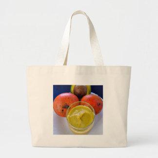 アボカドのマンゴのスムージー ラージトートバッグ