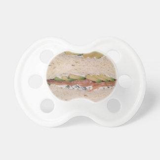アボカド及びロックスサンドイッチ おしゃぶり