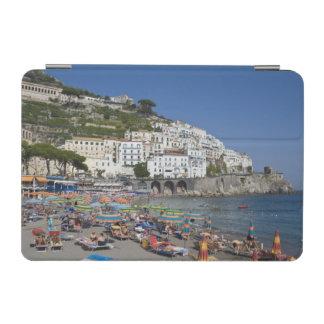 アマルフィのカンパニア州、イタリアのビーチ iPad MINIカバー