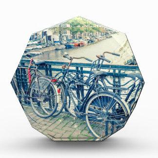 アムステルダムの運河および自転車 表彰盾