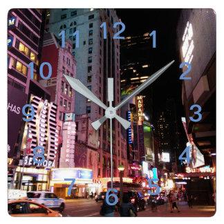 アムステルダムの道ニューヨークシティ2017年 スクエア壁時計