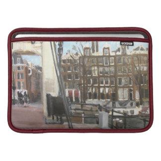 アムステルダム橋および運河の家のファインアート MacBook スリーブ