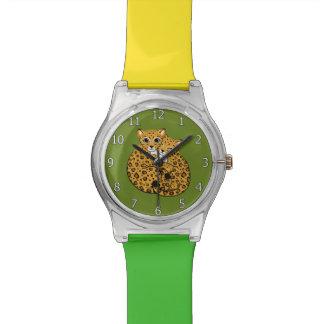 アムールのヒョウのカブスの抱きしめる芸術 腕時計
