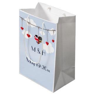アメリカおよびイギリスの旗、ハートの王室のな結婚式 ミディアムペーパーバッグ