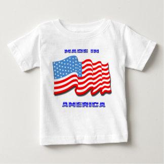 アメリカで作られる ベビーTシャツ