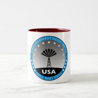 アメリカのエネルギーの自給 ツートーンマグカップ
