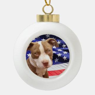 アメリカのピットブルテリアの子犬 セラミックボールオーナメント