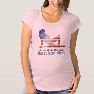 アメリカの女の子のシルエットの旗 マタニティTシャツ