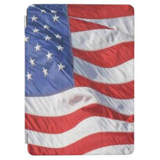 アメリカの旗を振る風愛国心が強い米国 iPad AIR カバー