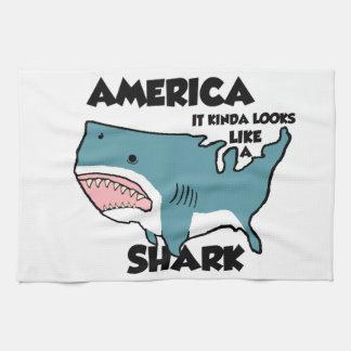 アメリカは鮫です キッチンタオル