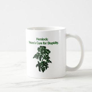アメリカツガ: 愚かさのための治療 コーヒーマグカップ