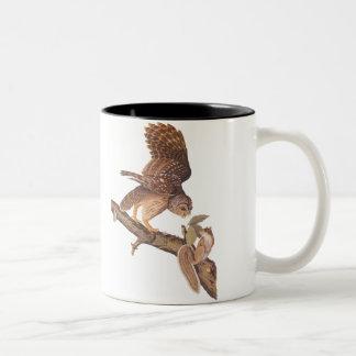 アメリカフクロウおよびリスのAudubonの幸せな芸術 ツートーンマグカップ