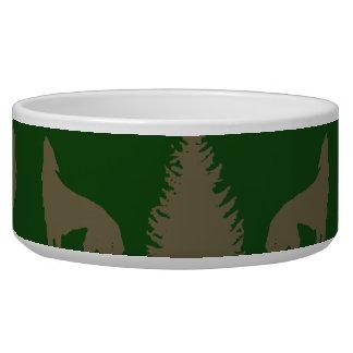 アメリカヘラジカのオオカミの松の木の素朴なタンの野生の緑